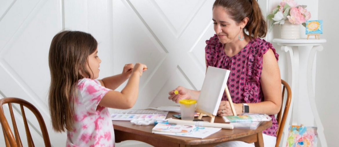 Meet Jennifer Nolley, Creator of Tiny Easel